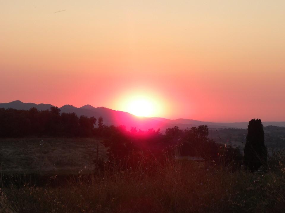tramonto da rocca sillana foto di tramonti